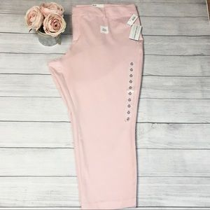 NWT! OLD NAVY~Ankle Length Pants~Pink~Plus Size 24